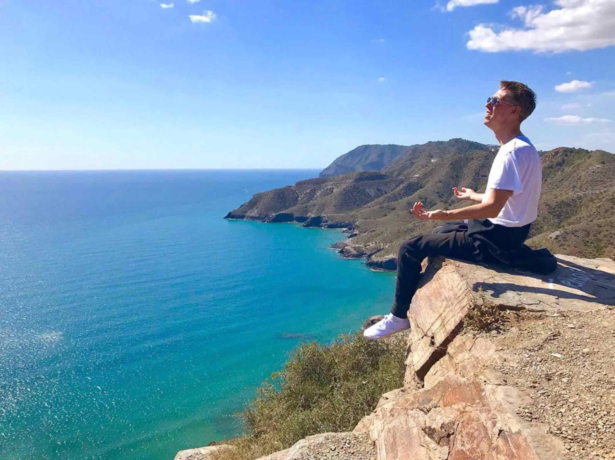 Актер Алексей Панин получил вид на жительство
